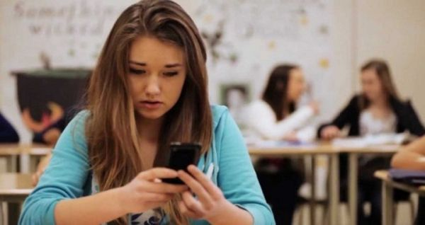 Teenagers more at risk of cyberbullying