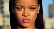 Rihanna urges fans to sign up for vote