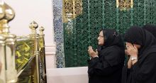 PM offers ziarat at mazar of Great Prophet