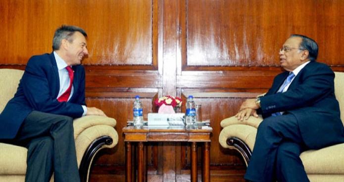 পররাষ্ট্রমন্ত্রী আবুল হাসান মাহমুদ আলীর সাথে মঙ্গলবার তাঁর মন্ত্রণালয়ে আন্তর্জাতিক রেড ক্রস কমিটি (আইসিআরসি)-এর প্রেসিডেন্ট 'পিটার মাউরা' সাক্ষাৎ করেন-এবিনিউজ