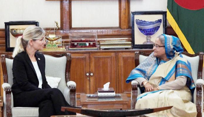 বুধবার ঢাকায় প্রধানমন্ত্রী শেখ হাসিনার সাথে গণভবনে Danish Minister for Development Cooperation and Executiv Director of WEP Ulla Pedersen Tornaes সাক্ষাৎ করেন-এবিনিউজ