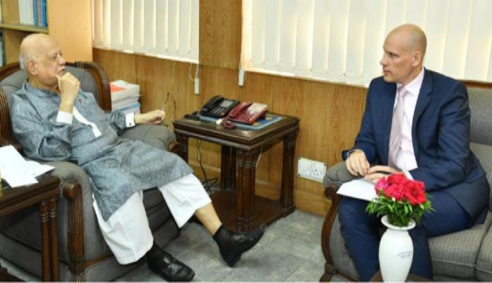 রবিবার অর্থমন্ত্রী আবুল মাল আবদুল মহিতের সাথে তাঁর অফিসক্ষে FAO এর নবনিযুক্ত প্রতিনিধি Robert D Simpson  সাক্ষাৎ করেন-এবিনিউজ