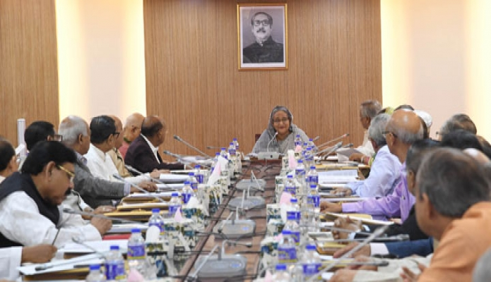 সোমবার ঢাকায় প্রধানমন্ত্রী শেখ হাসিনা বাংলাদেশ সচিবালয়ে  মন্ত্রিপরিষদ বৈঠকে সভাপতিত্ব করেন-এবিনিউজ