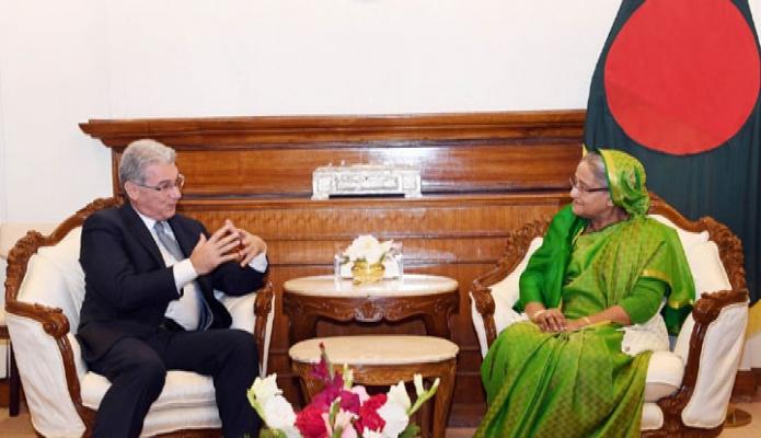 মঙ্গলবার শেখ হাসিনার সাথে তাঁর কার্যালয়ে ইতালির রাষ্ট্রদূত Mario Palma  সাক্ষাৎ করেন-এবিনিউজ
