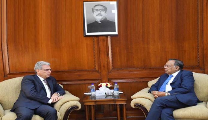 মঙ্গলবার পররাষ্ট্রমন্ত্রী আবুল হাসান মাহমুদ আলীর সাথে তাঁর অফিসকক্ষে ইতালির রাষ্ট্রদূত  Mario Palma বিদায়ি সাক্ষাৎ করেন-এবিনিউজ