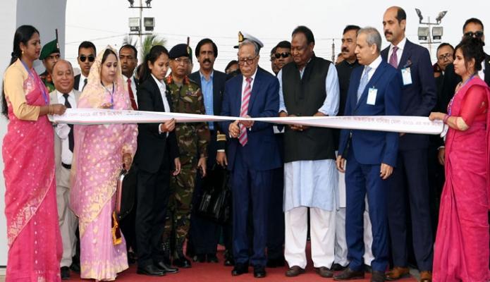 বুধবার রাষ্ট্রপতি মোঃ আবদুল হামিদ বঙ্গবন্ধু আন্তর্জাতিক সম্মেলন কেন্দ্রে ২৪তম ঢাকা আন্তর্জাতিক বাণিজ্য মেলা (ডিআইটিএফ)-২০১৯ উদ্বোধন করেন -পিআইডি