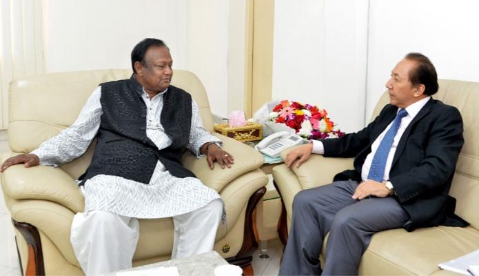 সোমবার বাণিজ্যমন্ত্রী টিপু মুনশির সাথে ঢাকায় তাঁর কার্যালয়ে বাংলাদেশে নিযুক্ত ভূটানের রাষ্ট্রদূত Sonam Rabgye  সাক্ষাৎ করেন-পিআইডি