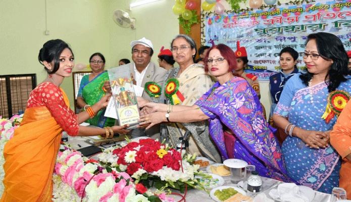 বুধবার শিক্ষামন্ত্রী ডা. দীপু মনি ঢাকায় বেগম বদরুন্নেসা সরকারি মহিলা কলেজের বার্ষিক ক্রীড়া প্রতিযোগিতায় বিজয়ীদের মাঝে পুরস্কার বিতরণ করেন -পিআইডি