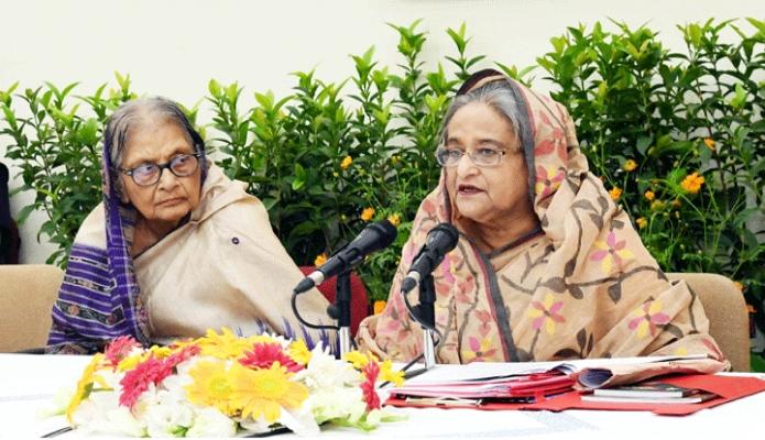 শুক্রবার প্রধানমন্ত্রী শেখ হাসিনা ঢাকায় গণভবনে বাংলাদেশ আওয়ামী লীগ কেন্দ্রীয় কার্য-নির্বাহী সংসদের সভায় সভাপতিত্ব করেন -পিআইডি