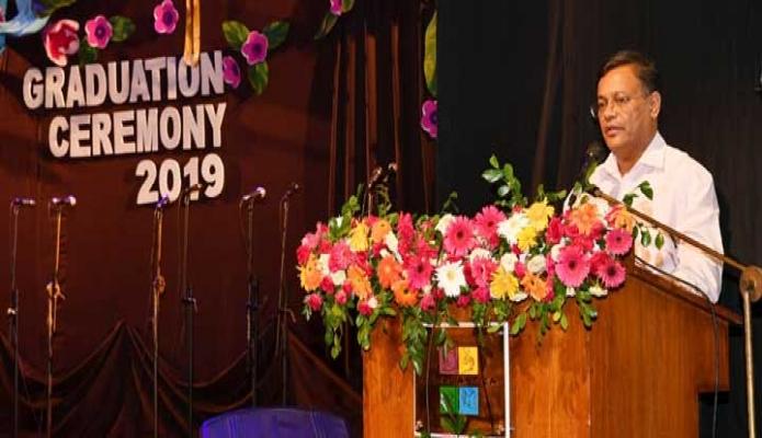 শনিবার তথ্যমন্ত্রী ড. হাছান মাহমুদ ঢাকায় স্কলাস্টিকা স্কুলে দ্বাদশ শ্রেণীর Graduation Ceremony -তে প্রধান অতিথির বক্তৃতা করেন-পিআইডি