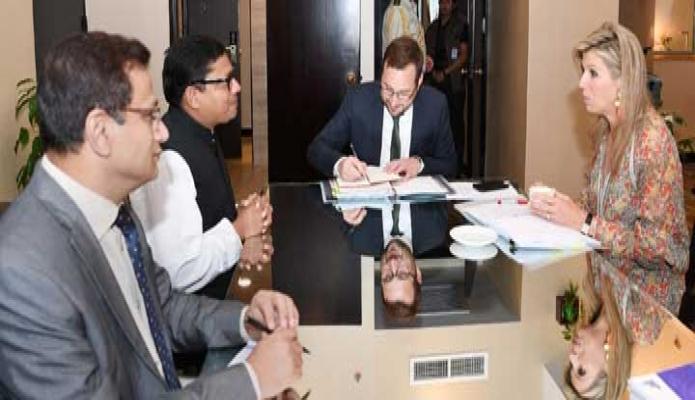 বুধবার নেদারল্যান্ডসের রানি ম্যাক্সিমা এর সাথে ঢাকায় একটি হোটেলে আইসিটি প্রতিমন্ত্রী জুনাইদ আহমেদ পলক সাক্ষাৎ করেন-পিআইডি