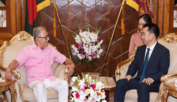 বুধবার রাষ্ট্রপতি মোঃ আবদুল হামিদেও সাথে বঙ্গভবনে বাংলাদেশে নিযুক্ত চীনের রাষ্ট্রদূত `ঝাং জু' বিদায়ী সাক্ষাৎ করেন -পিআইডি
