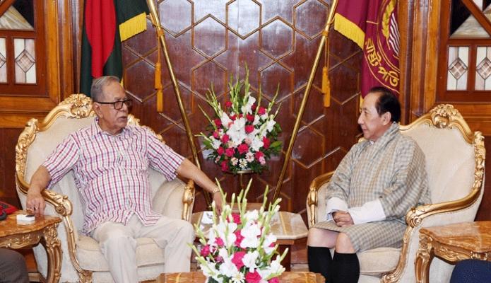 বুধবার রাষ্ট্রপতি মোঃ আবদুল হামিদেও সাথে বঙ্গভবনে বাংলাদেশে নিযুক্ত ভুটানের রাষ্ট্রদূত Sonam T Rabgye বিদায়ী সাক্ষাৎ করেন -পিআইডি