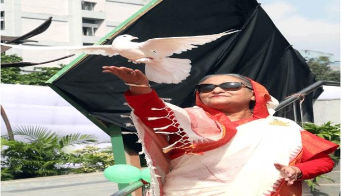 শনিবার প্রধানমন্ত্রী শেখ হাসিনা ঢাকায় কেআইবি প্রাঙ্গণে পায়রা উড়িয়ে মহিলা শ্রমিক শীগের কেন্দ্রীয় সম্মেলন ২০১৯-এর উদ্বোধন করেন -পিআইডি