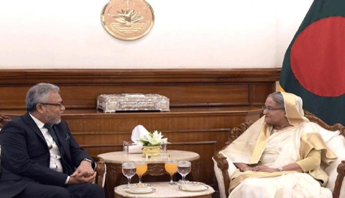 বৃহস্পতিবার প্রধানমন্ত্রী শেখ হাসিনার সাথে তাঁর কার্যালয়ে D-8 Organization for Economic Cooperation এর  Secretary General Ambassador Dato Ku Jaafar Ku Shaari সাক্ষাৎ করেন -পিআইডি