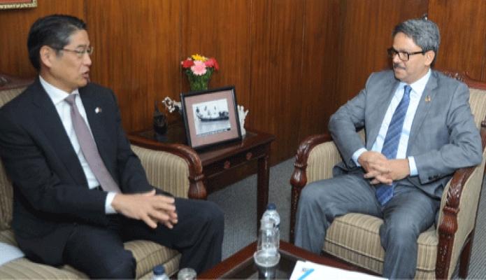 মঙ্গলবার পররাষ্ট্রমন্ত্রী মোঃ শাহরিয়ার আলমের সাথে তাঁর অফিস কক্ষে জাপানের নতুন রাষ্ট্রদূত Naoki Ito সাক্ষাৎ করেন -পিআইডি