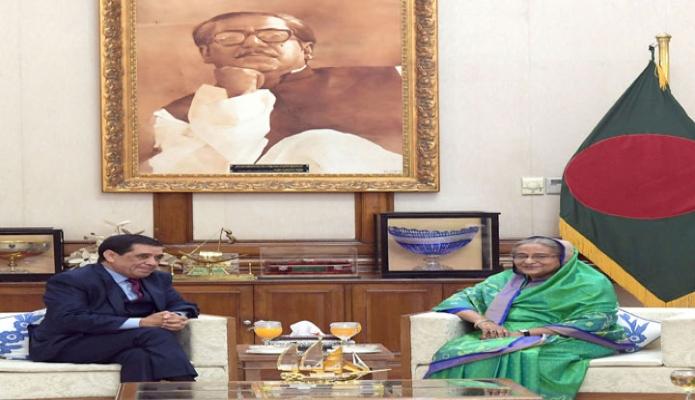 বৃহস্পতিবার প্রধানমন্ত্রী শেখ হাসিনা ঢাকায় গণভবনে বাংলাদেশে নবনিযুক্ত আলজেরিয়ার রাষ্ট্রদূত রাবাহ লারবি সাক্ষাৎ করেন -পিআইডি