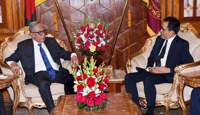 রবিবার রাষ্ট্রপতি মোঃ আবদুল হামিদের সাথে ঢাকায় বঙ্গভবনে বাংলাদেশে নিযুক্ত ব্রুনাই দারুস সালামের হাইকমিশনার Haji Haris bin Othman  সাক্ষাৎ করেন -পিআইডি
