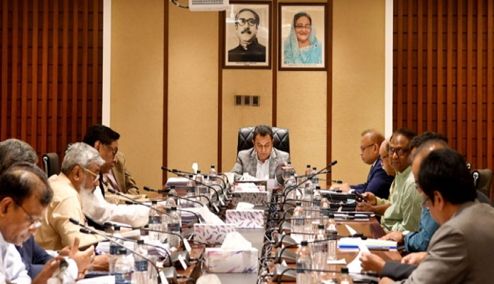 বুধবার অর্থমন্ত্রী আ হ ম মুস্তফা কামাল ঢাকায় সচিবালয়ে মন্ত্রণালয়ের সভা কক্ষে অর্থনৈতিক বিষয় সংক্রান্ত মন্ত্রিসভা কমিটির সভায় সভাপতিত্ব করেন -পিআইডি