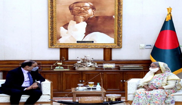 বৃহস্পতিবার প্রধানমন্ত্রী শেখ হাসিনার সঙ্গে গণভবনে পাকিস্তানের হাইকমিশনার 'Imran Ahmed Siddiqui, সাক্ষাৎ করেন -পিআইডি