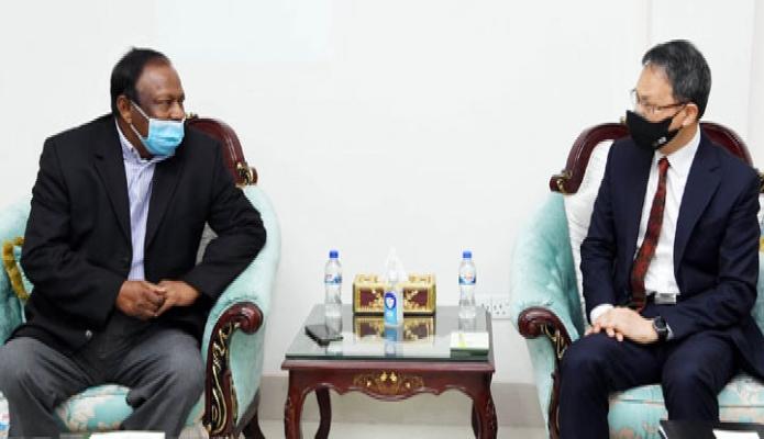 বুধবার বাণিজ্যমন্ত্রী টিপু মুনশির সাথে তাঁর অফিসকক্ষে কোরিয়ার রাষ্ট্রদূত 'LEE Jang-Keun, সাক্ষাৎ করেন -পিআইডি
