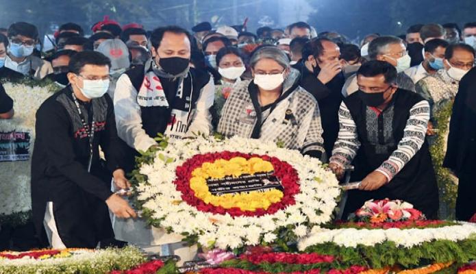 রবিবার শিক্ষামন্ত্রী ডা. দীপু মনি মহান শহিদ দিবস ও আন্তর্জাতিক মাতৃভাষা দিবস উপলক্ষ্যে ঢাকায় কেন্দ্রীয় শহিদ মিনারে শ্রদ্ধা নিবেদন করেন -পিআইডি