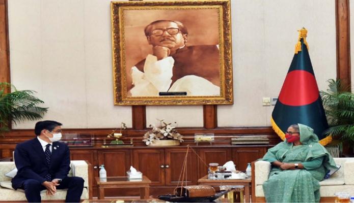 রবিবার প্রধানমন্ত্রী শেখ হাসিনার সাথে গণভবনে বাংলাদেশে নিযুক্ত জাপানের রাষ্ট্রদূত 'নাওকি ইতো, সৌজন্য সাক্ষাৎ করেন -পিআইডি