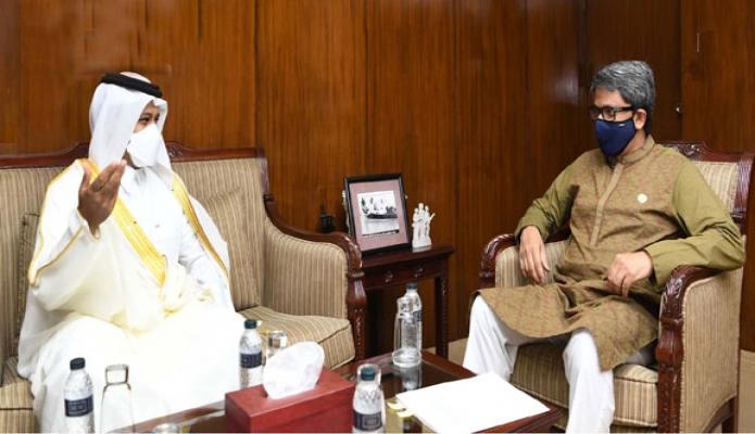 মঙ্গলবার পররাষ্ট্র প্রতিমন্ত্রী মোঃ শাহরিয়ার আলমের সাথে তাঁর অফিসকক্ষে কাতারের রাষ্ট্রদূত Ahmed Mohammea Nasser Al-Dehaimi বিদায়ি সাক্ষাৎ করেন -পিআইডি