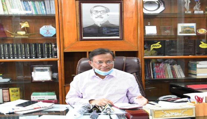 রবিবার তথ্য ও সম্প্রচার  প্রতিমন্ত্রী ডা. মোঃ মুরাদ হাসান বাংলাদেশ টেলিভিশন চট্রগ্রাম কেন্দ্রে সাংবাদিকদের সাথে মতবিনিময় করেন -পিআইডি