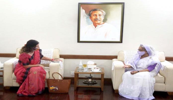 বৃহস্পতিবার প্রধানমন্ত্রী শেখ হাসিনার সাথে গণভবনে বাংলাদেশ নিযুক্ত ইউরোপীয় ইউনিয়নের রাষ্ট্রদূত Rensje Teerink বিদায়ি সাক্ষাৎ করেন -পিআইডি